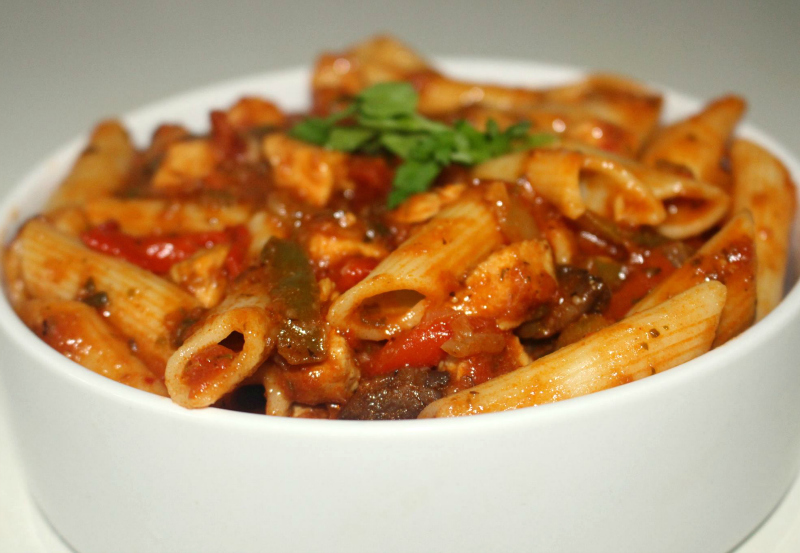 Penne all'Arrabiata met kip