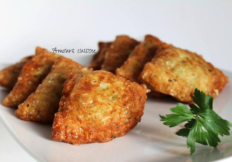 Gevulde pasteitjes met tonijn en kaas