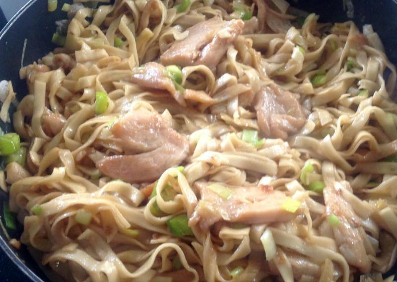 Chow mein met supermalse kip