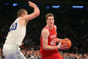 Toronto Raptors select Jakob Poeltl with 9th pick