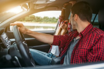 Should You Buy a Used or New Car? (How Insurance May Help You Decide) - Ratehub.ca Blog