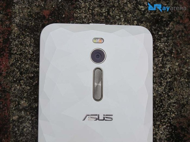 Asus Zenfone 2 Deluxe build quality