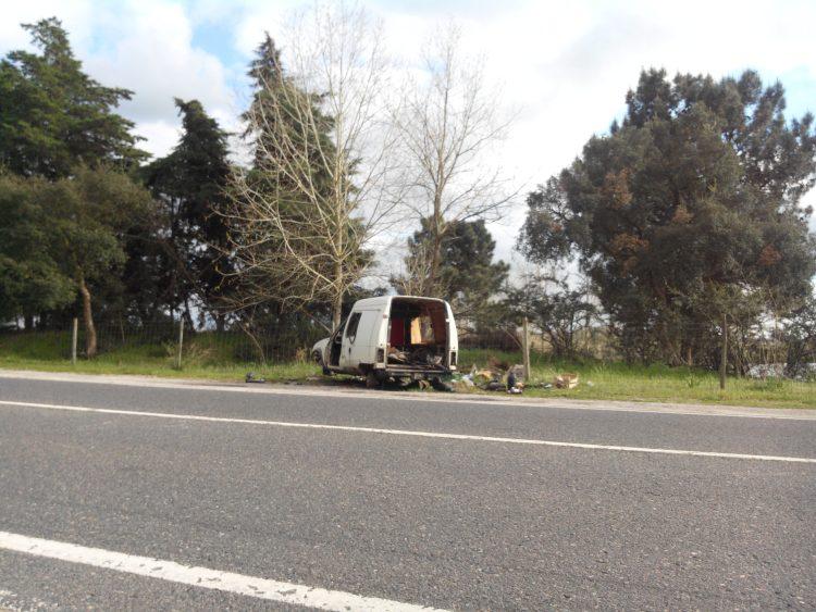 carro abandonado grandola setubal