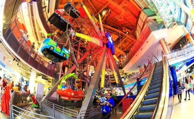 Toy R Us Ferris Wheel What It Looks Like Now Reader S