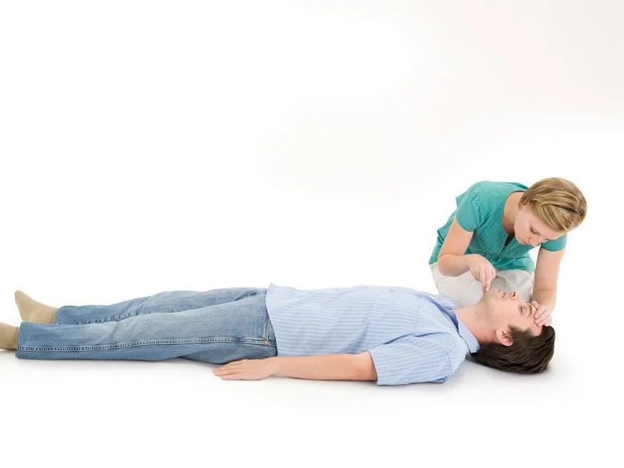 7 Essential Steps of CPR Everyone Should Know Reader\u0027s Digest