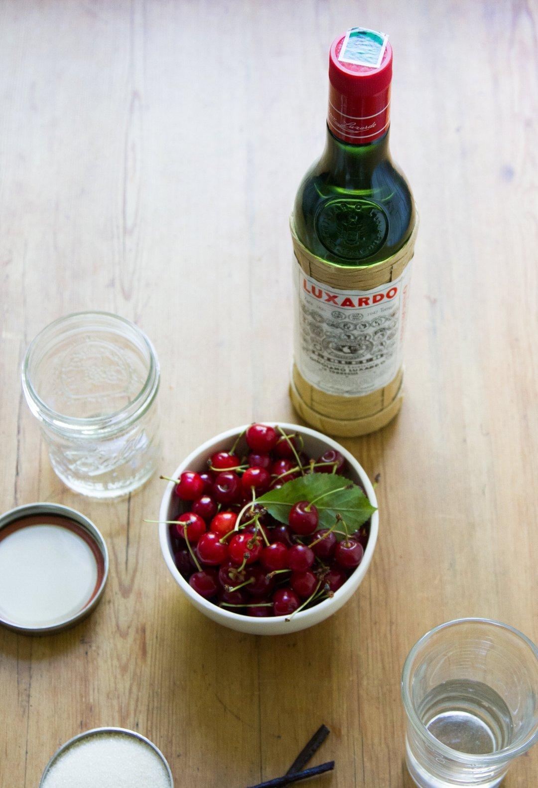 make your own maraschino cherries | reading my tea leaves