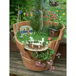 Small Crop Of Fairy Gardens In Pots