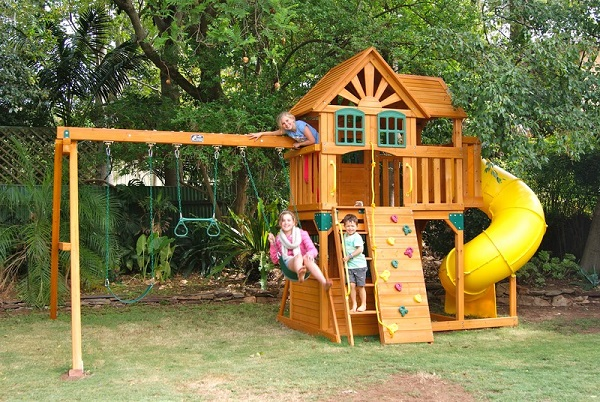 Reasons Why Cubby Houses Are Good For Your Children