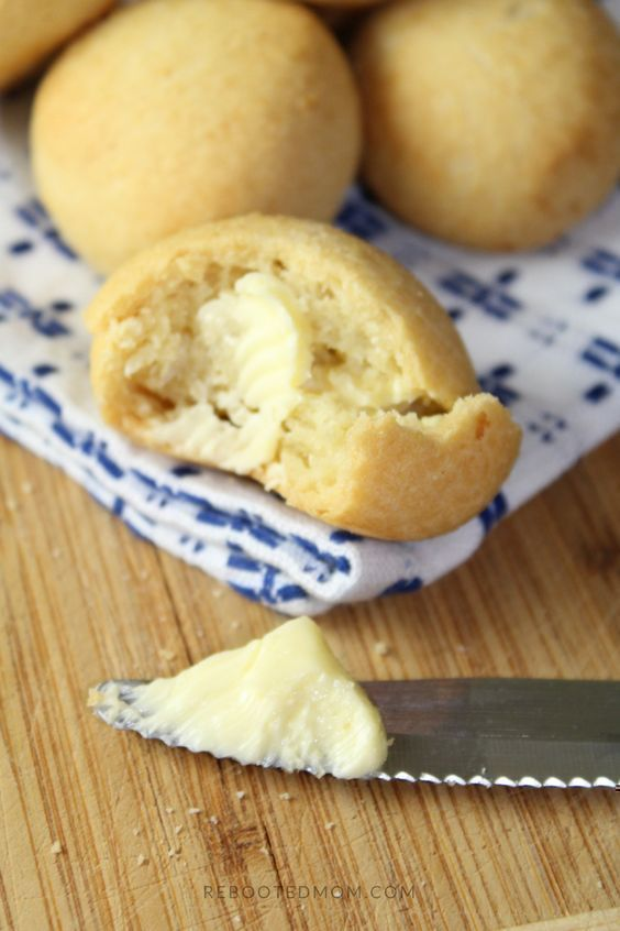 Super easy Paleo dinner rolls that are gluten and grain free.