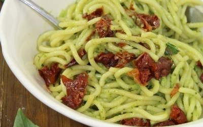 This creamy avocado basil pasta is not only rich in flavor it's incredibly healthy - have it on your dinner table in less than 20 minutes!
