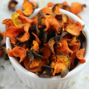 Spicy Baked Carrot Chips