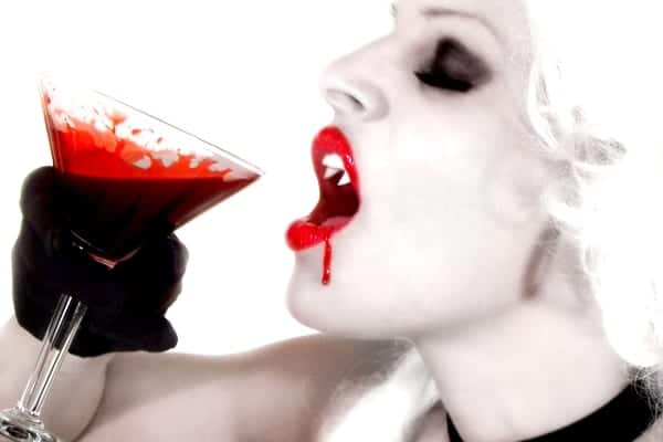 Sanguinarian_Drink_Blood_Desat