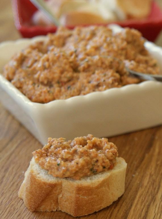 tapenade de tomates et amandes - recettes niçoises © par Fanny GRW - Saveurs d'ici et d'ailleurs