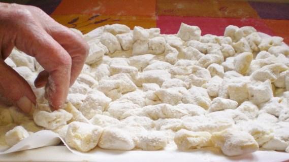Préparation des gnocchis maison - Cuisine provençale © Recettes d'ici et d'ailleurs