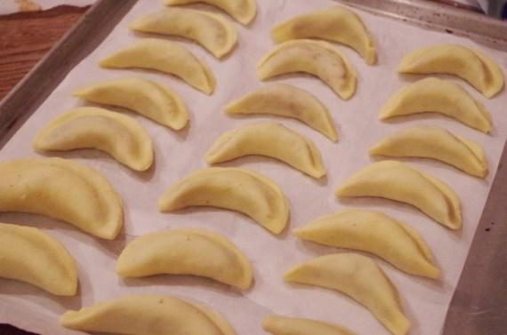 Cornes de gazelle aux amandes et noisettes - Cuisine du Moyent-orient © Recettes d'ici et d'ailleurs