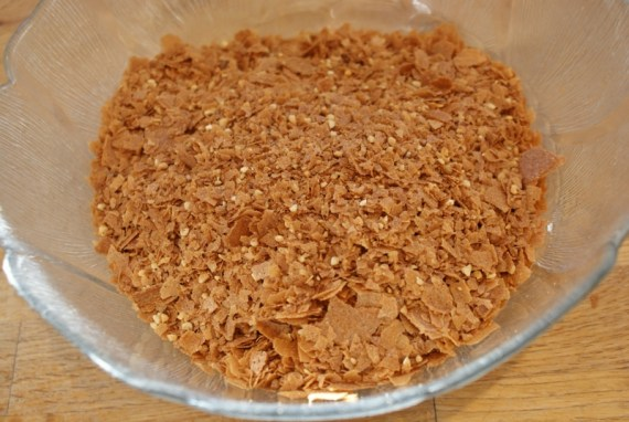 Crêpes dentelles émiettées pour préparation du croustillant praliné pour Trianon © Balico & co