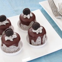 Mini Chocolate Oreo Cakes
