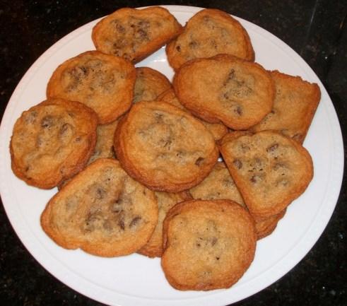 chocolatechipcookiesplate