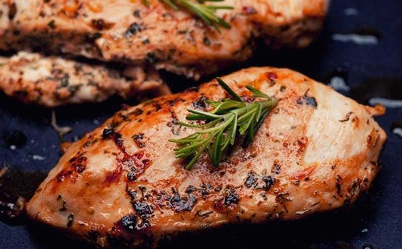 صدور دجاج مشوية بالتتبيلة الشهية %D8%B5%D8%AF%D9%88%D