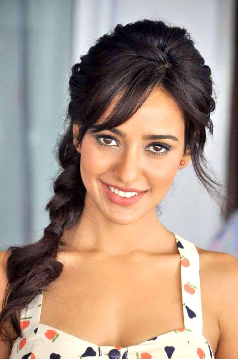 Cute Wallpaper In Twitter 30 Photo Of Neha Sharma Cutest Bollywood Actress Selfies