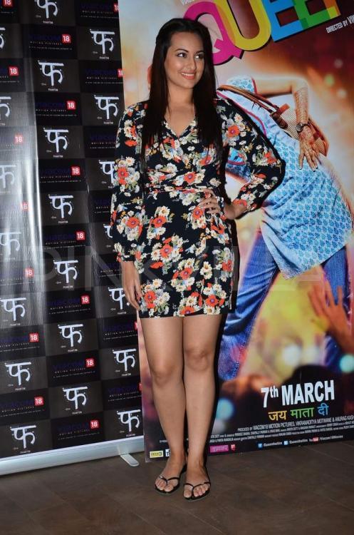 Latest Bollywood Hd Wallpapers 15 Cute Pics Of Hot Sonakshi Sinha Bollywood Actress