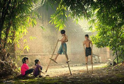 35 Fotos Mágicas de Niños Jugando Alrededor del Mundo