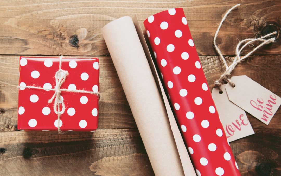 Gift Giving Office Etiquette Tips Red Company