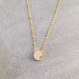 gold comma necklace