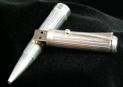 solidsilverusbpen small Solid silver USB pen.