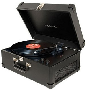 crosleykeepsakeusbturntable small Crosley Keepsake USB Turntable   straight from vinyl to computer without touching plastic