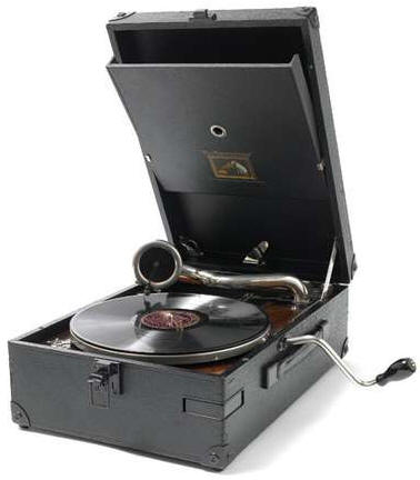 1930portablegramophone 1930 Portable Gramophone   a lovingly restored iPod of yesteryear