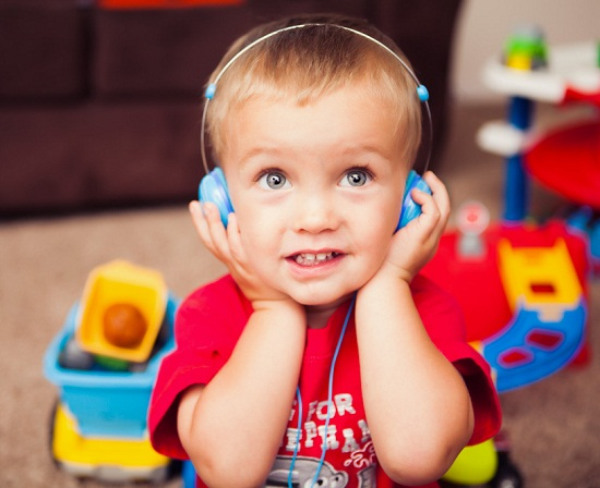 Animatone Over Ear Headphones Animatone Over Ear Headphones keeps kids in check