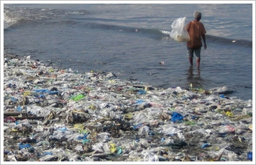 oceangarbage The Ocean Garbage Harvester   project aims to remove the trash and plastic from the worlds oceans