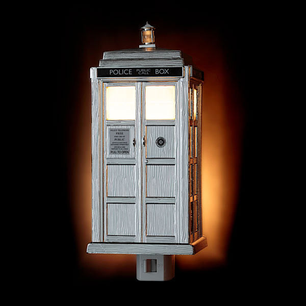 Doctor Who Limited Edition Chrome TARDIS Night Light Doctor Who Limited Edition Chrome TARDIS Night Light   Timey Wimey light protects you from Daleks in the dark