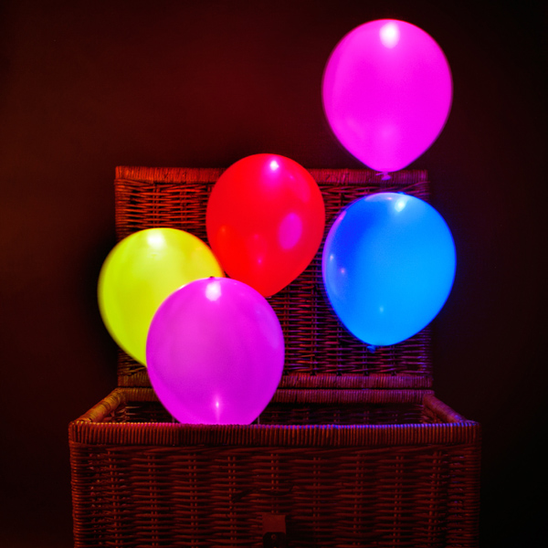 Illoom Balloons – It's like your breath glows in the dark