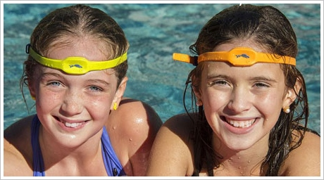 swimband2 iSwimband   wireless monitor triggers phone alarm if theres a danger of drowning