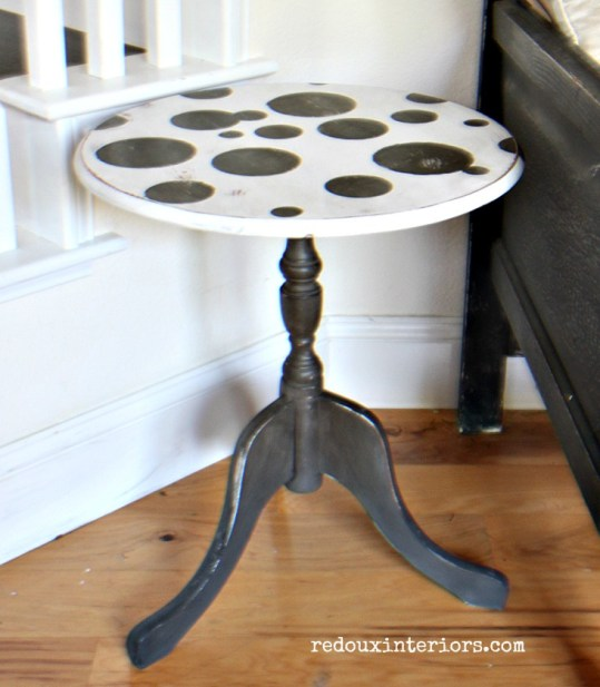 Free Side table polka dots DIY Paint redouxinteriors close up