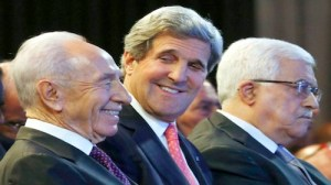 Shimon Peres, John Kerry and Mahmoud Abbas at World Economic Forum, Amman, 2013