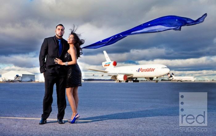 Airplane-Museum-Engagement-Photos-Hamilton-Toronto-08