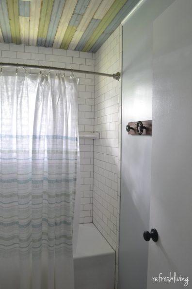 bathroom with subway tile