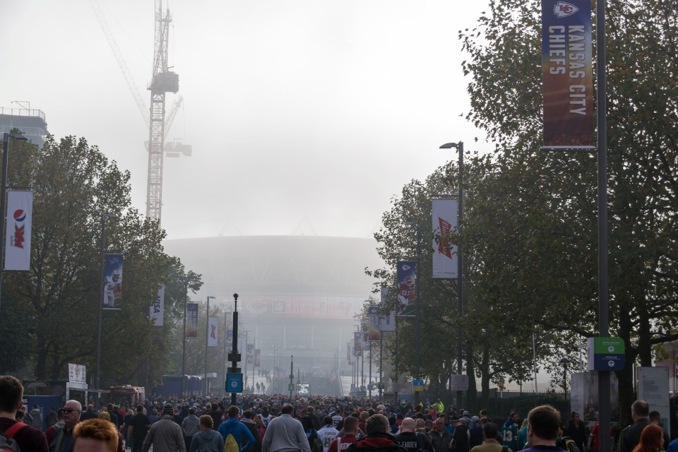 Londoner Nebel am Wembley Stadion (Stadion in England)