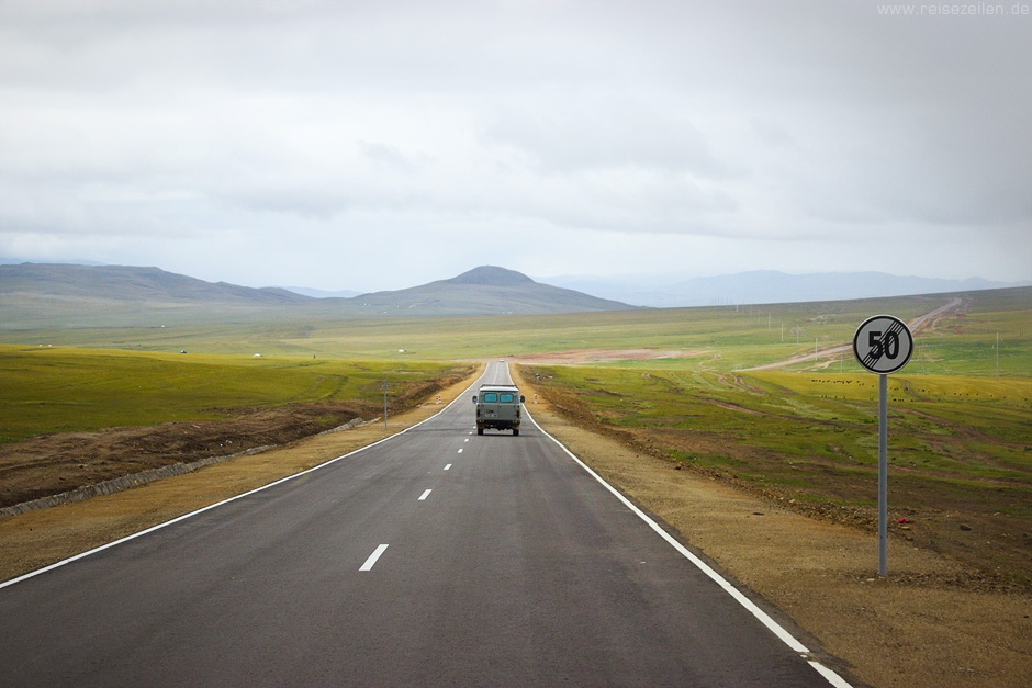 Reisen-Reisetipps-Mongolei-Autostrasse