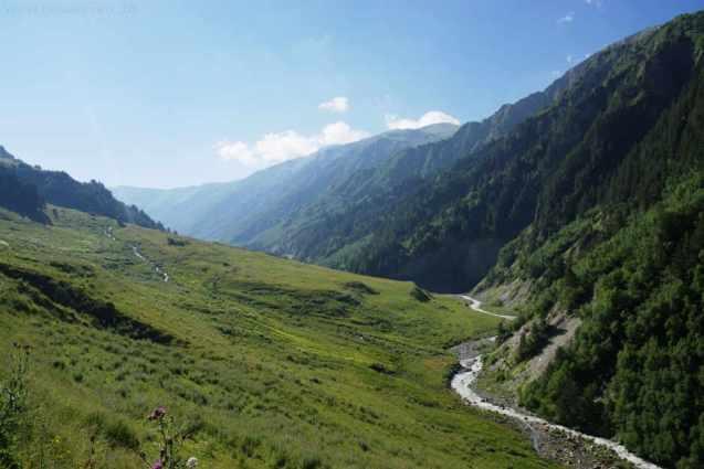 Georgien_Trekking in Swanetien_Tal bei Adishi