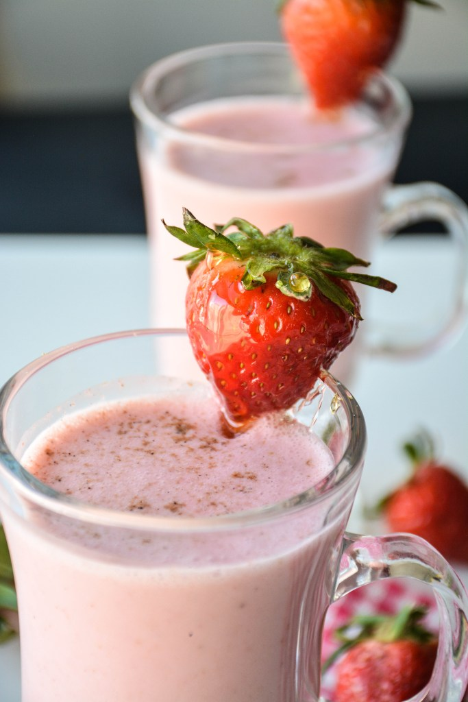 StrawberryLassi-2