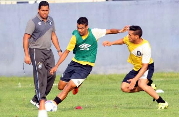 Leston Júnior, Léo Paraíba e Levy