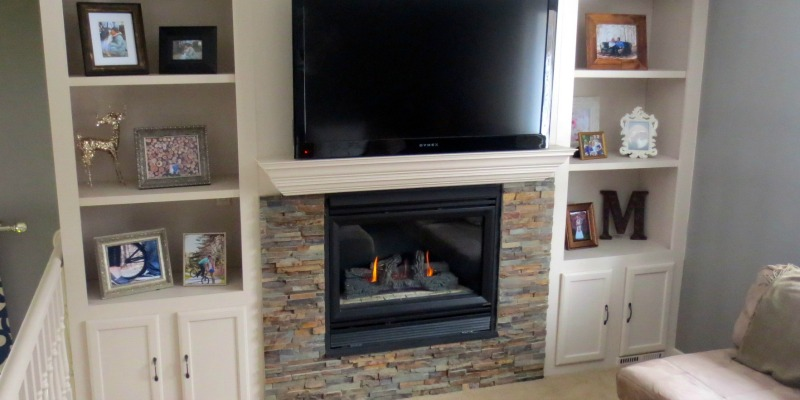 Remodelaholic Fireplace Makeover with Built-In Shelves