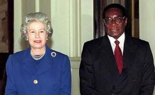 mugabe-with-queen