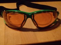 Sportbrille mit Glsern in Sehstrke fr 76,80 Euro