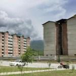 La organización aseveró que la construcción de más de 80.000 viviendas está paralizada por la ineficiencia del Gobierno.