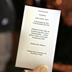 Repartieron una tarjeta en memoria del ex presidente Pérez
